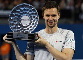 Soderling, con el trofeo de campeón