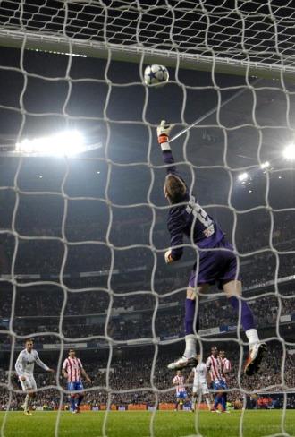Imagen del derbi copero entre el Madrid y el Atl�tico