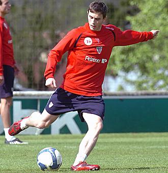 Adrien Goñi, durante un entrenamiento con el primer equipo del Athletic.