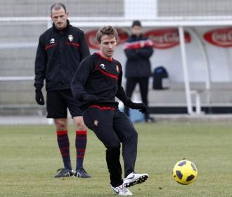Monreal, en un entrenamiento de Osasuna.