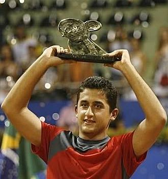 Almagro, con el trofeo conquistado en Brasil