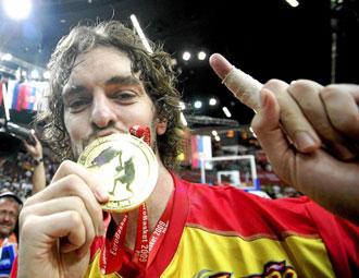 Pau Gasol tras ganar el oro en el Eurobasket