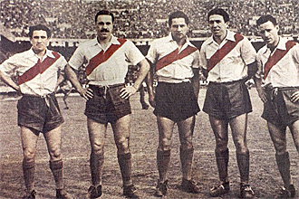 Los integrantes de 'La 'M�quina' Mu�oz, Moreno, Pedernera, Labruna y Loustau