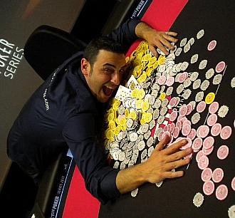 Santi Torres, jugador espa�ol de poker.