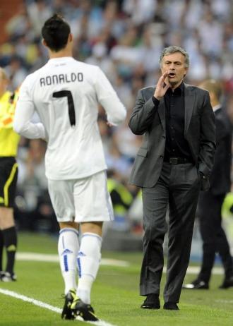 Cristiano y Mou, en la primera mitad del partido