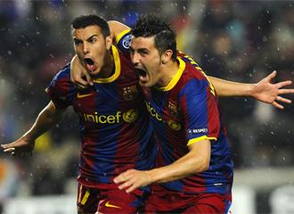 Pedro y Villa celebran el 1-0