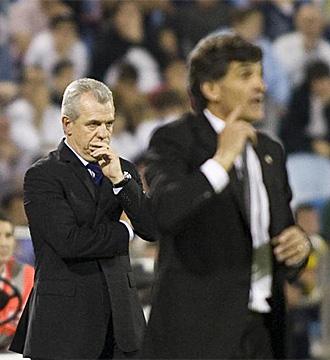Aguirre, pensativo en el partido contra Osasuna