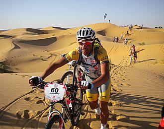 Pereiro, en las dunas de Marruecos.