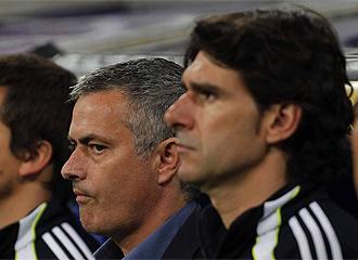 Karanka durante el partido junto a Mourinho.