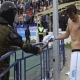 La polic�a atac� con un arma el�ctrica a un jugador del Zenit
