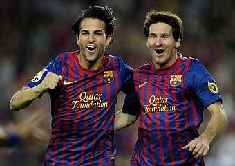 Cesc Fàbregas y Lionel Messi 33126e0d5ba9c