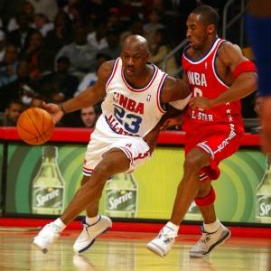 Jordan se mide a Kobe en el All Star 2003./ R. Casal