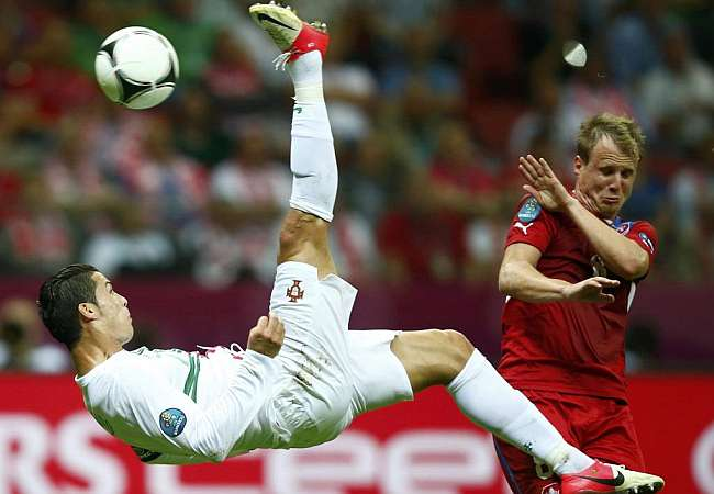 football ronaldo के लिए चित्र परिणाम