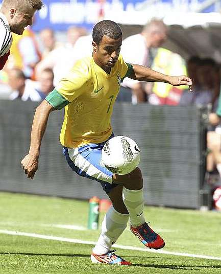 "Lucas Moura: ""Madrid? Spain Is Our Biggest Rival"""