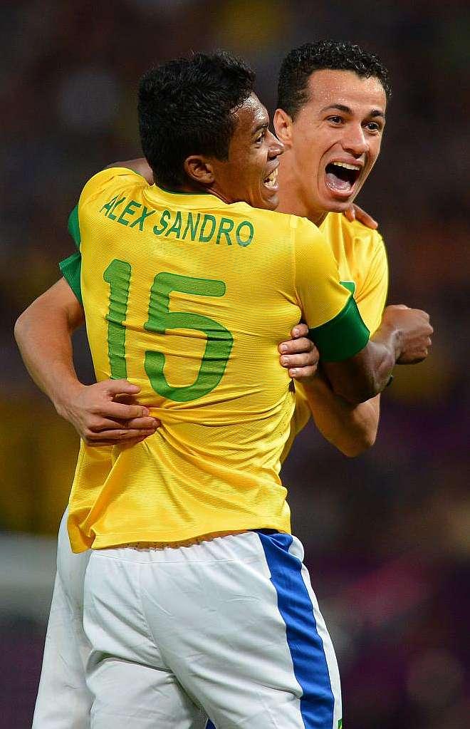 JJOO - Brasil goleó y jugará la final ante México