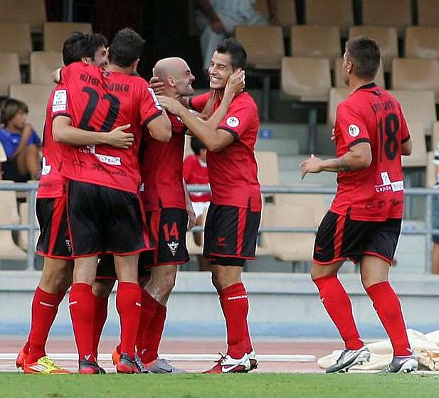 Primer derbi castellanoleon s de la temporada for Liga municipal marca