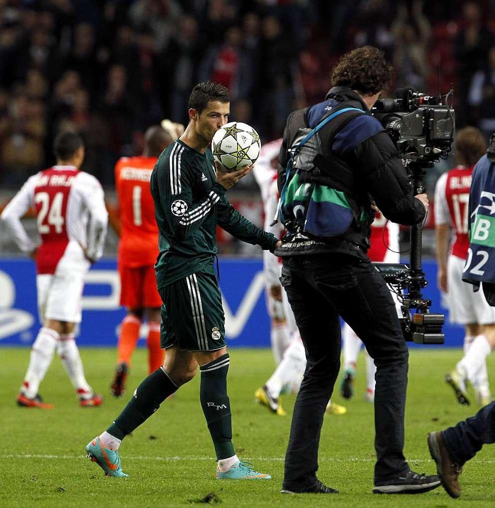 Marca Com English Version: Ronaldo Hat-trick Sees Off Ajax