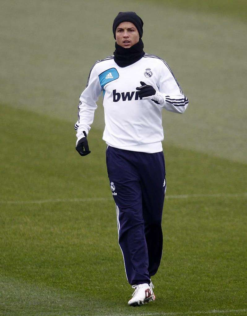 Cristiano trains apart from his teammates for Gimnasio 02 granada precio