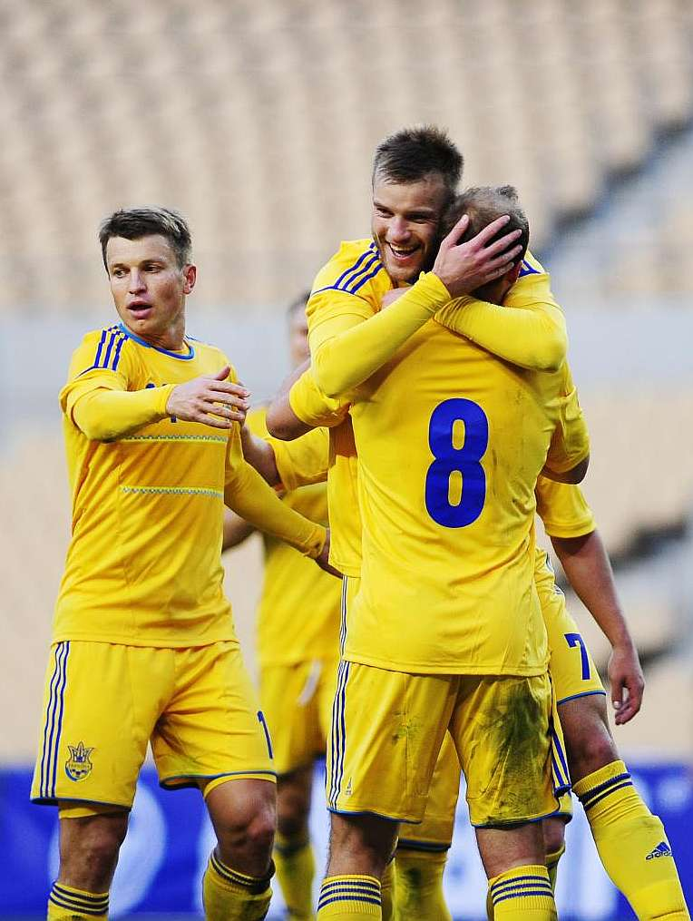 Real Madrids Karanka & Rui Faria watch on as Andriy Yarmolenko scores against Norway