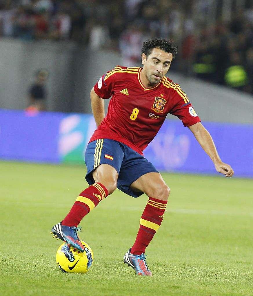 La afición dice que Xavi no debería forzar con España - MARCA.com