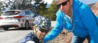 Valverde sufre una caída y abandona la Volta cuando iba líder