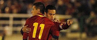 Suplentes en su club, titularísimos con La Rojita