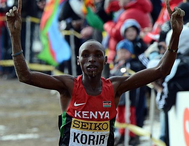 El keniata Japhet Korir reina en el cross mundial con 19 años