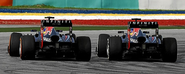Webber y Vettel, en plena 'batalla' en Malasia / RV RACING PRESS
