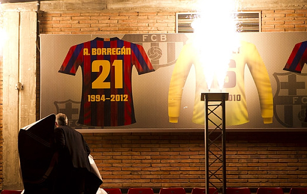La camiseta con el dorsal 21 de Beto Borregán ya está en lo alto del Palau