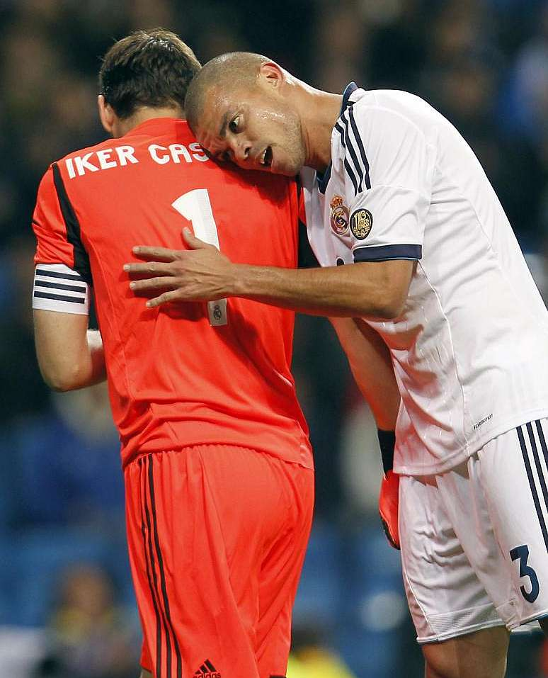 Marca Com English Version: Pepe With Casillas... On The Bench