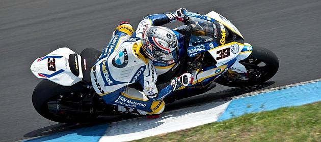 Melandri lidera los entrenamientos en Monza