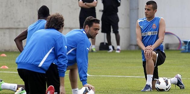 Héctor Moreno, Petrov y Stuani se entrenan al margen del grupo