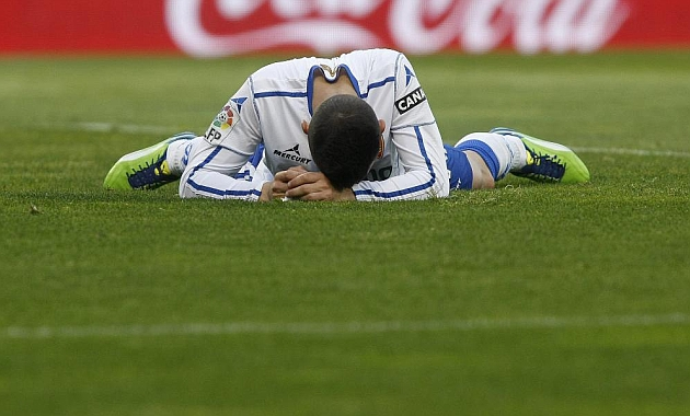 José Manuel Fernández se lamenta de la derrota nada más acabar el partido ante el Athletic. TONI GALÁN / MARCA