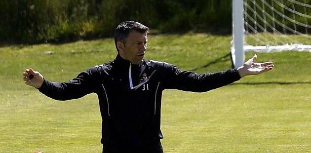 Djukic: Hay que ganar para demostrar profesionalidad y acabar más arriba