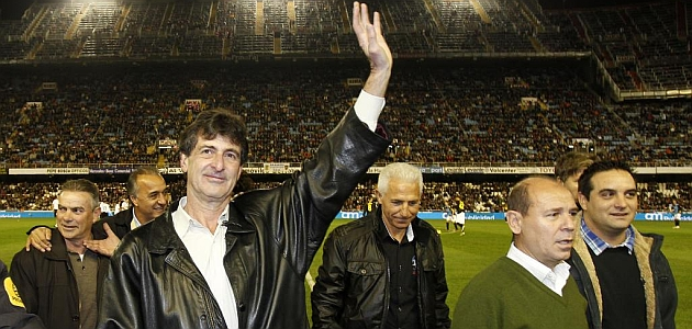 Kempes: Volvería encantado al Valencia