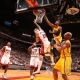 El 'crazy dunk' con el que George despluma al 'hombre p�jaro', la mejor jugada del top
