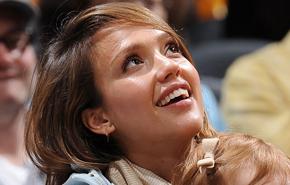 Jessica Alba, musa del Staples