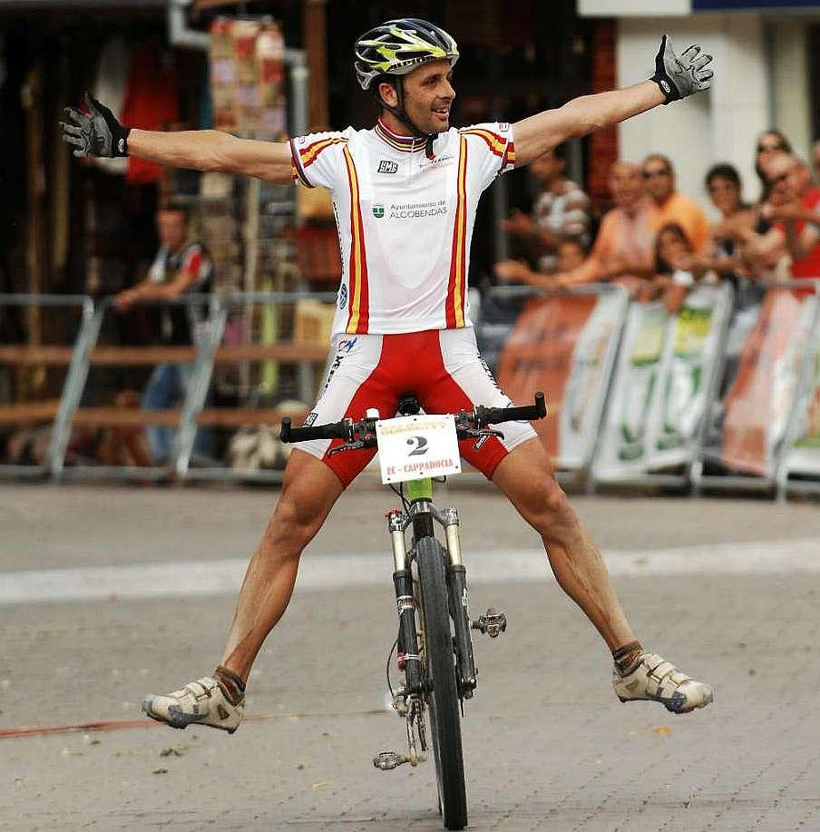 El mountain bike espa ol rinde homenaje a jos a hermida - Mejores arquitectos espanoles ...