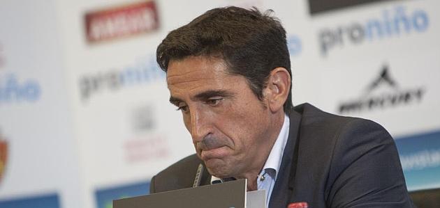 Manolo Jim�nez, en la rueda de prensa / TONI GAL�N (MARCA)
