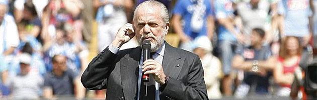 De Laurentiis: Cavani cuesta 63 millones de euros