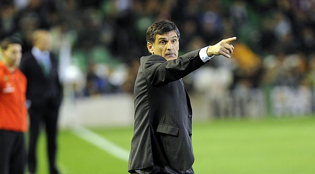Mendilibar seguirá siendo técnico de Osasuna