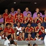 Las estrellas de España tiñen de rojo las Finales de la NBA