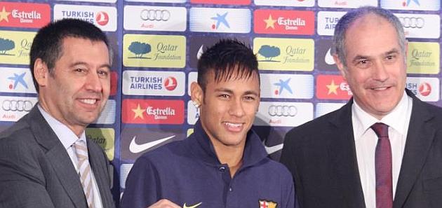 Gran �xito de ventas de la camiseta de Neymar