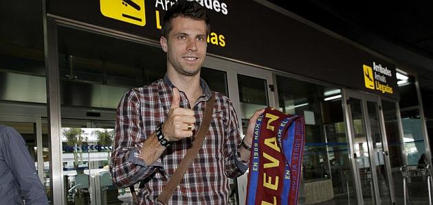 Ivanschitz firma por tres años con el Levante