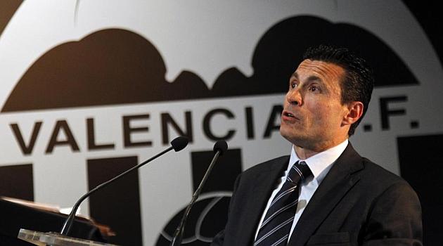 Salvo: Mathieu seguir� siendo jugador del Valencia