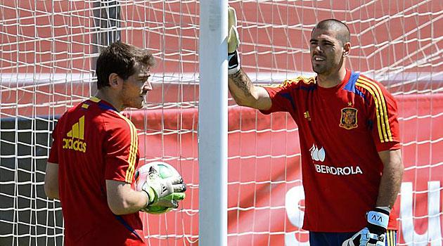 Valdés adelanta a Iker