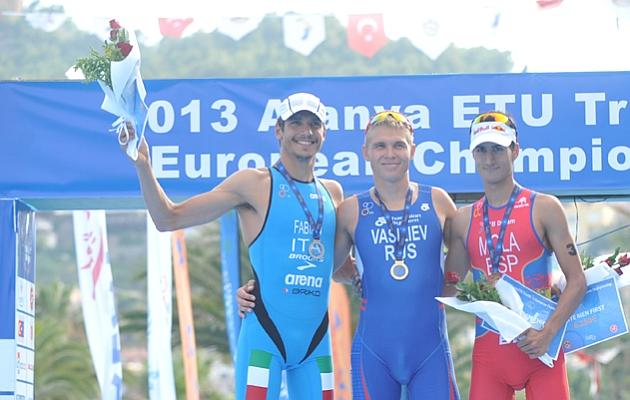 Mario Mola, bronce en los Europeos de triatl�n en Turqu�a