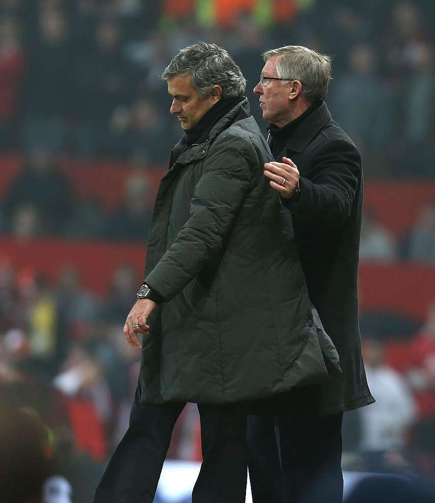 Ferguson discussing plans with Mourinho