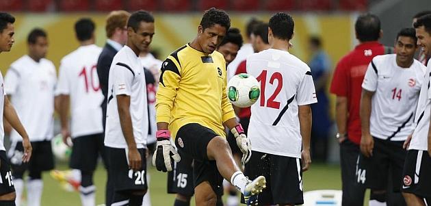Los jugadores de Tahití, en un entrenamiento / REUTERS