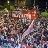 La noche más feliz de un Almería que celebró su ascenso Primera